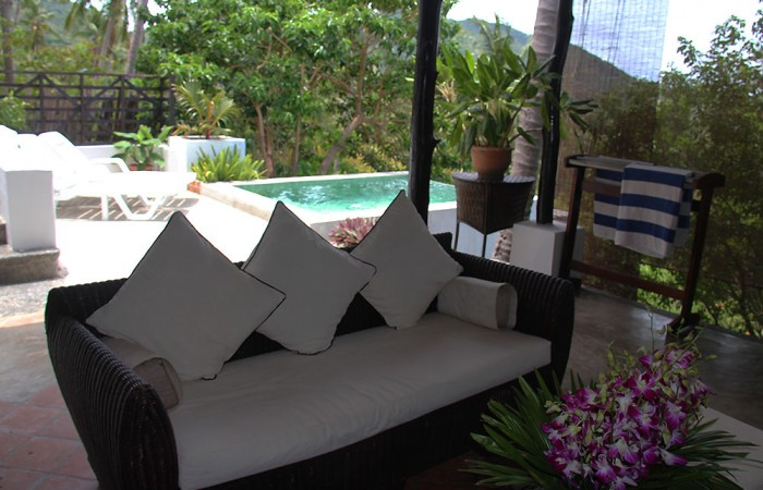Outdoor sitting area and plunge pool
